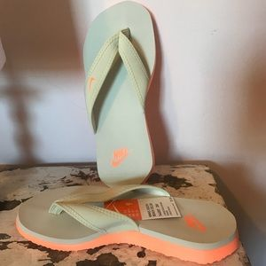 NIKE | Celso Thong Women's South Beach
